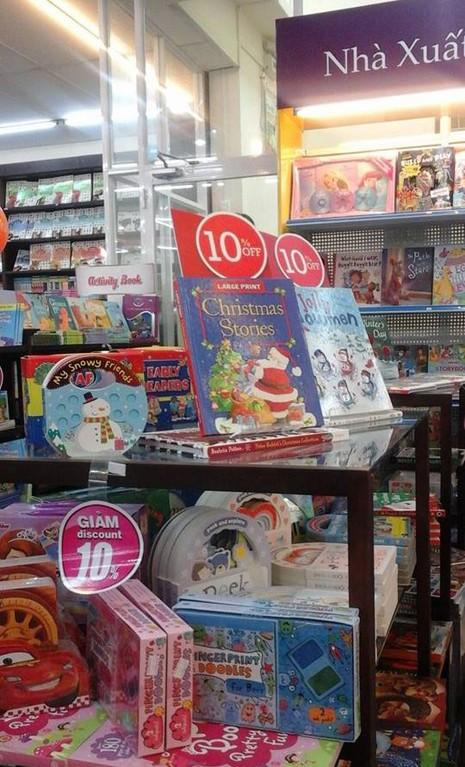 Triển lãm sách thiếu nhi 'Vui Giáng sinh - đón năm mới' - ảnh 3