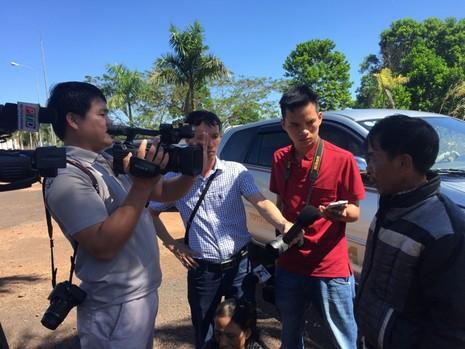 Nghi can ném đá xe khách tử vong khi bị tạm giam tại công an huyện - ảnh 2