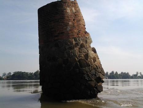 Kỳ lạ trụ đá trên sông Đồng Nai được dân gọi là 'ông Một' - ảnh 3