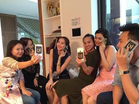 Hoa hậu Đặng Thu Thảo chia sẻ hình ảnh ủng hộ Los Angeles Football Club.