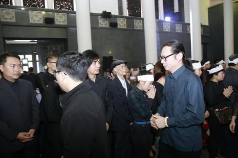 Hình ảnh Nghệ sĩ Việt tiễn đưa Trần Lập - ảnh 5