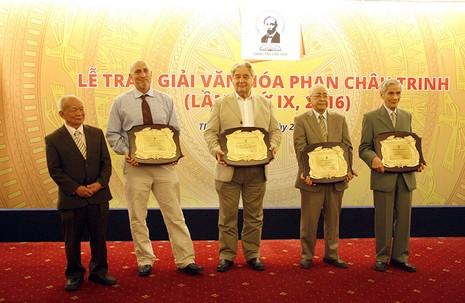 GS Trịnh Xuân Thuận được Quỹ Phan Châu Trinh vinh danh - ảnh 1