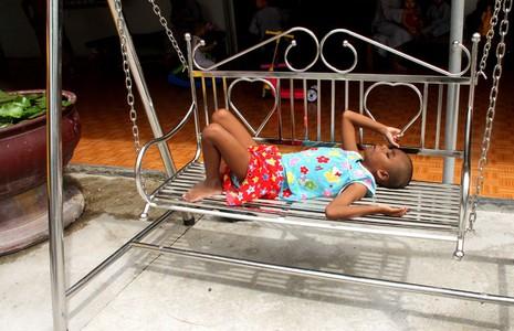 Những trẻ thơ sống sót từ tấm lòng… từ bi - ảnh 3