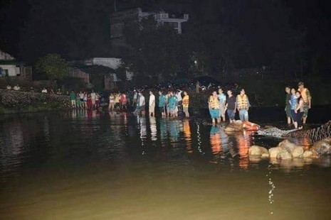 Tìm thấy thi thể 3 sinh viên tình nguyện bị nước lũ cuốn - ảnh 3
