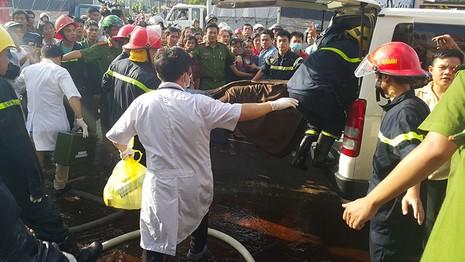 Cháy lớn thiêu rụi 2 căn nhà, một người tử vong - ảnh 2