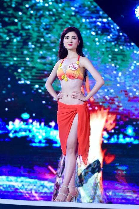 18 người đẹp phía Bắc trình diễn bikini - ảnh 22