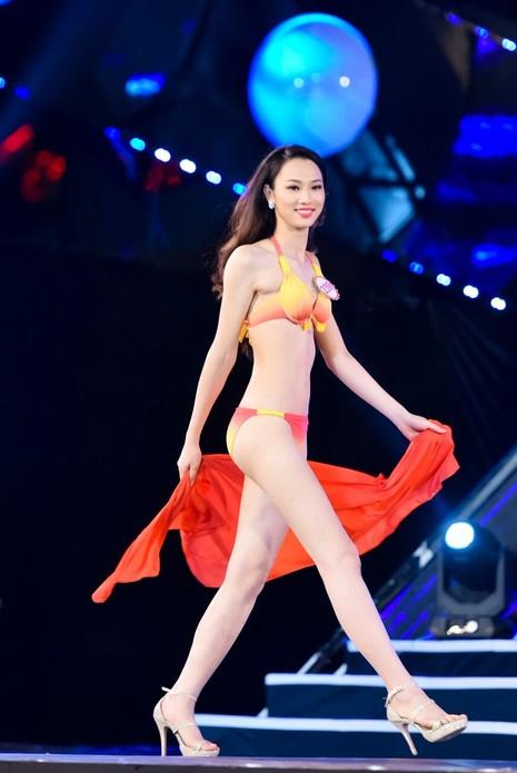 18 người đẹp phía Bắc trình diễn bikini - ảnh 25