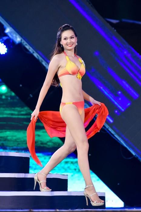 18 người đẹp phía Bắc trình diễn bikini - ảnh 20