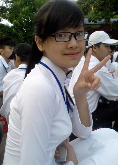 Đoạt hoa khôi khi 15 tuổi và là học sinh chuyên Anh tại trường THPT chuyên Thái Nguyên