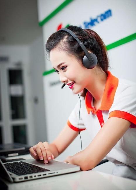 Năm sau ở 19 tuổi, Hương Ly đã đoạt giải Miss OneTV 2013 trong cuộc thi Miss Ngôi sao. Đây là cuộc thi ảnh hàng năm do báo điện tử Ngôi Sao tổ chức