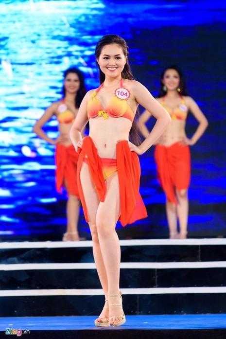Người đẹp 20 tuổi cho biết vì bận lịch học vào thời điểm sơ khảo phía Nam nên cô quyết định bay ra Hà Nội để ghi danh