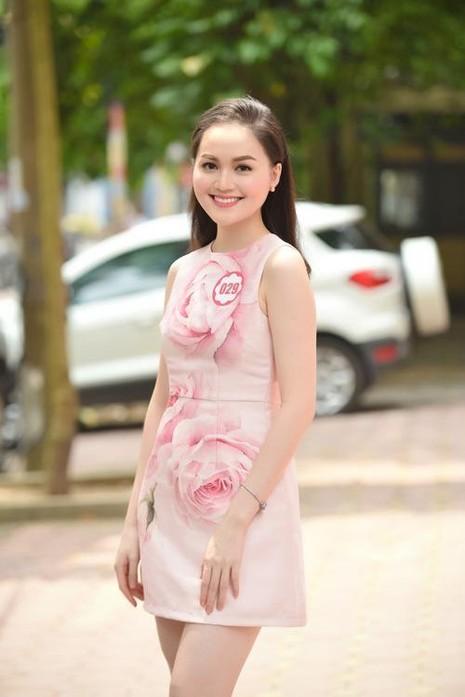 Cô đang theo học năm hai trường Đại học Quốc tế Sài Gòn