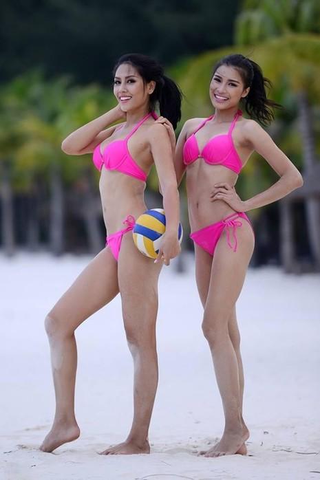 Nguyễn Thị Thành cùng với hoa hậu biển Nguyễn Thị Loan tại cuộc thi Hoa hậu Hoàn vũ Việt Nam 2015