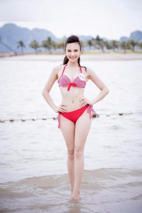 Sái Thị Hương Ly cao 169 cm, nặng 54 kg, số đo ba vòng 85-63-94.
