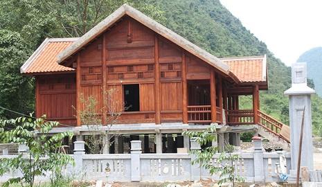 Về thăm nơi mẹ con anh Kim Đồng yên nghỉ - ảnh 1
