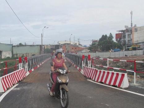 TP.HCM: Thông xe qua cầu tạm Tân Kỳ-Tân Quý - ảnh 4