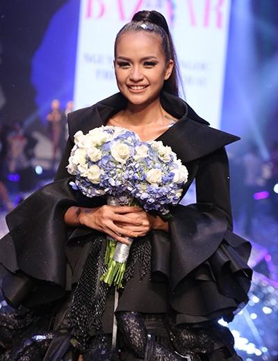 ngoc-chau-dang-quang-vietnams-next-top-model-2016