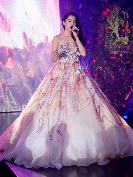 Nam Em bật mí phần thi tài năng, cô chọn hát ca khúc nổi tiếng You raise me up mang nhiều thông điệp ý nghĩa về cuộc sống.