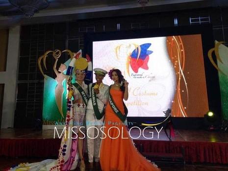Ba thí sinh giành giải cao nhất trong phần thi Hoa hậu Thân thiện của Hoa hậu Trái đất 2016. Ảnh: DÂN TRÍ