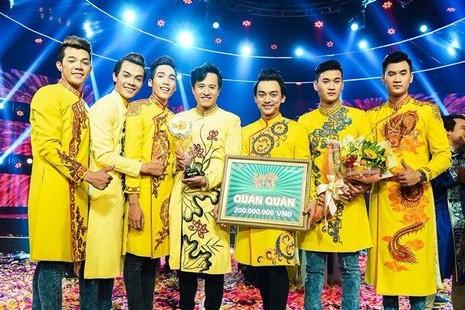 39.8 là tổng số điểm mà đội Xém Cười nhận được để xuất sắc đoạt quán quân Làng Hài Mở Hội 2016 với giải thưởng 200 triệu đồng - Ảnh TTO