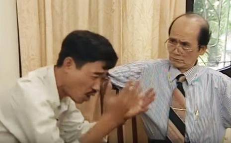 NSƯT Phạm Bằng và nghệ sĩ Quốc Khánh trong tiểu phẩm hài Đạo và diễn. ẢnhTTO