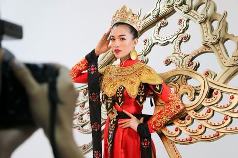 """Thiết kế mang tên """"Vũ điệu Phượng Hoàng"""" của thí sinh Nguyễn Đức Hải."""