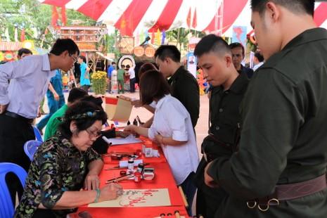 Quận Bình Thạnh: 235 thanh niên lên đường nhập ngũ - ảnh 2