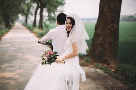 Cặp đôi chụp ảnh tái hiện 100 năm lễ cưới Việt Nam  - ảnh 10