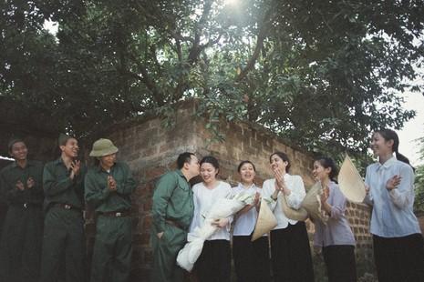 Cặp đôi chụp ảnh tái hiện 100 năm lễ cưới Việt Nam  - ảnh 5