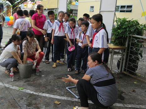 Học sinh được nghỉ học để thỏa thích vui chơi - ảnh 12