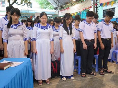 Xúc động học sinh TP.HCM tưởng niệm sự kiện đảo Gạc Ma - ảnh 2