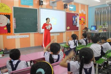 100% học sinh lớp 1 và lớp 2 ở TP.HCM được học tiếng Anh - ảnh 1