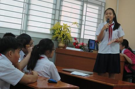 Phụ huynh bất ngờ bị học sinh phỏng vấn trong giờ học - ảnh 11