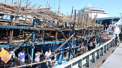 Cứu 36 thuyền viên trên tàu Quảng Nam bị nạn ở Trường Sa - ảnh 1