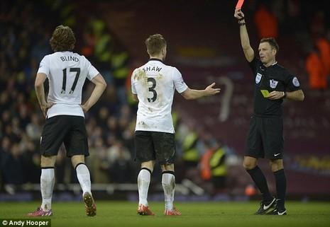 Trọng tài bắt chính derby Manchester: Ác mộng của M.U! - ảnh 2