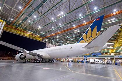 Máy bay hiện đại nhất của Vietnam Airlines đã lắp ráp thành công - ảnh 2