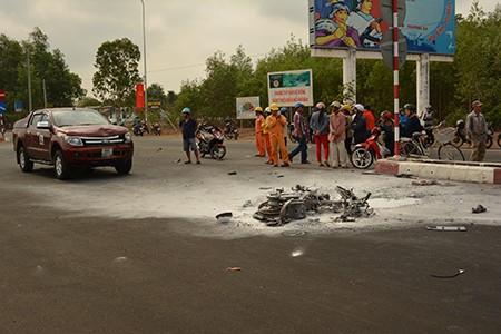 Tai nạn giao thông khiến xe máy bốc cháy, người điều khiển xe tử vong - ảnh 2