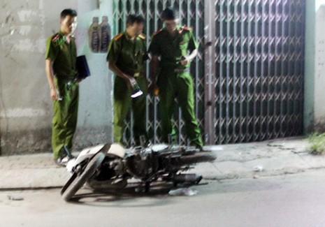 Chiếc xe máy của nạn nhân tại hiện trường. Ảnh: An Nhơn