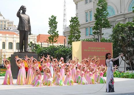 TP.HCM: Khánh thành tượng đài Chủ tịch Hồ Chí Minh  - ảnh 5