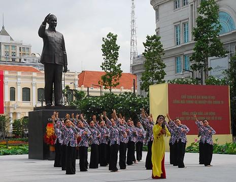 TP.HCM: Khánh thành tượng đài Chủ tịch Hồ Chí Minh  - ảnh 8