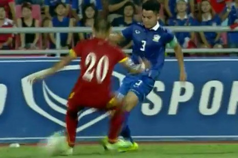 Thái Lan 1-0 Việt Nam: Siêu dự bị giải cứu Kiatisak - ảnh 2