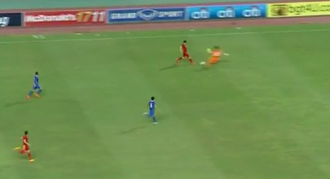 Thái Lan 1-0 Việt Nam: Siêu dự bị giải cứu Kiatisak - ảnh 3