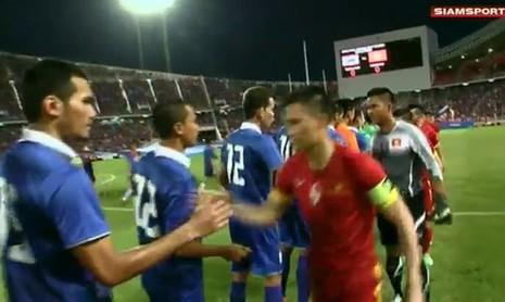 Thái Lan 1-0 Việt Nam: Siêu dự bị giải cứu Kiatisak - ảnh 26