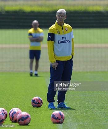 Arsenal - Aston Villa : Thắng để giữ ngai vàng - ảnh 1