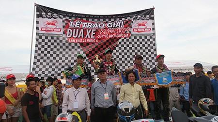 Sôi động giải đua mô tô quốc gia lần đầu tổ chức ở Bà Rịa - Vũng Tàu - ảnh 2