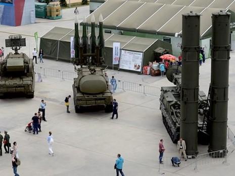 Không gì ngăn được Ả-Rập Saudi mua vũ khí Nga - ảnh 1