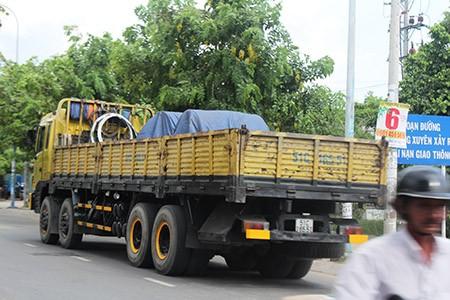 Xe ben, xe bồn, container ngang nhiên đi vào đường cấm - ảnh 8