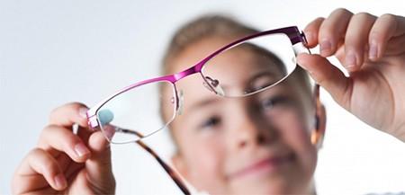 Vì sao nhiều thanh thiếu niên châu Á bị cận thị? - ảnh 1