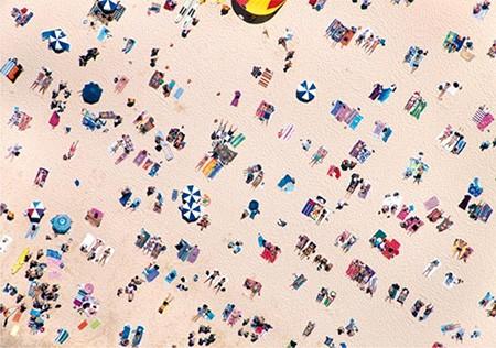 Phụ nữ và đàn ông nhìn gì trên bãi biển? - ảnh 4
