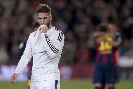 Louis Van Gaal nói gì về thương vụ M.U mua Sergio Ramos - ảnh 1